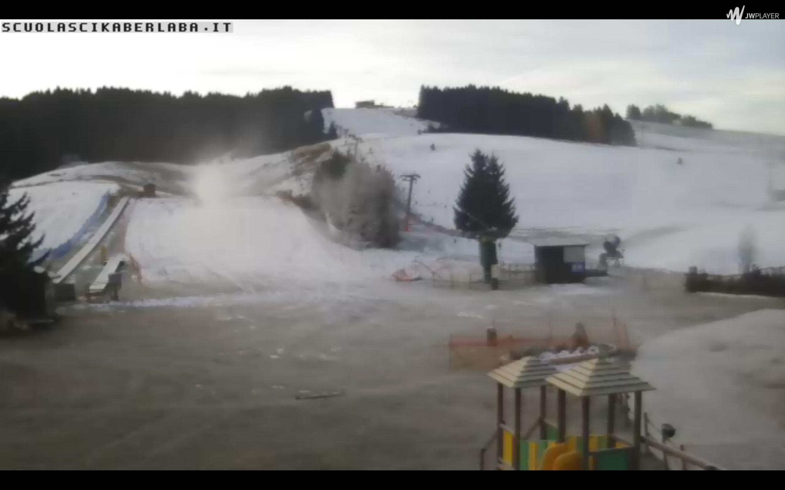 Inizia dicembre, neve e freddo webcam asiago